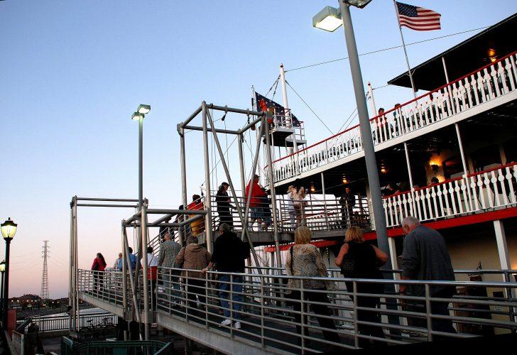 Pictures Steamboat Natchez